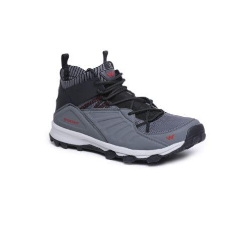 trekking shoes for boyfriend